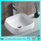 Bacino sottile di ceramica montato superiore del bordo del singolo foro del rubinetto della stanza da bagno