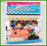Solo de cristal de sete cores com os animais Growing na água