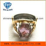 紫色の石造りのリングが付いている宝石類ボディJewellryの鋳造
