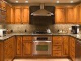 シラカバの純木の台所家具の食器棚