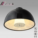Lumière pendante ronde de noir moderne de résine avec la salle de séjour