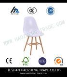 Pé plástico cor-de-rosa sonhador da cadeira da madeira Hzpc141 contínua