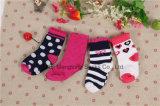 Heet verkoop van de Katoenen van de Baby van de Goede Kwaliteit Opslag van de Sokken van het Meisje van de Baby Sokken van Sokken de Pasgeboren