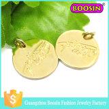 Charme d'étiquette de logo de bijou gravé par or fait sur commande en métal pour le bracelet