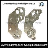 Peças fazendo à máquina do CNC da maquinaria