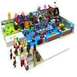 Cour de jeu d'intérieur de château vilain de centre de joueur d'enfants