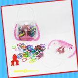 キャンデーが付いている子供の輪ゴムのおもちゃ