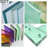 Barandilla modificada para requisitos particulares de la escalera hecha del vidrio laminado