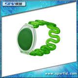 Freqüência ultraelevada impermeável do Wristband do plástico RFID para a piscina