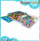 Campo de jogos interno do parque de diversões das crianças comerciais