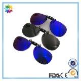 Clip de lunettes de soleil polarisé par mode sur des lunettes de soleil pour le choix coloré