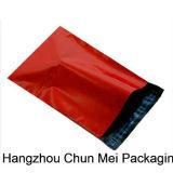 Saco plástico material novo do encarregado do envio da correspondência da venda quente