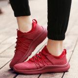 El deporte vendedor caliente de la manera calza los zapatos de los hombres de la zapatilla de deporte