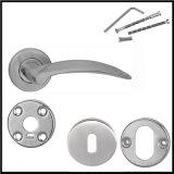熱い販売の金属のドアのための固体ドアハンドルそしてロック