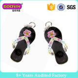 宝石類の作成のための工場高品質のラインストーンの靴の魅力