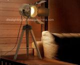 Hotsale moderno para a fotografia da decoração do projeto que ilumina a lâmpada de mesa de madeira do tripé