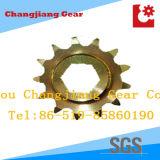 Industrielles gelbes Förderanlagen-Kettenkettenrad mit der sechs Winkel-Ausbohrung