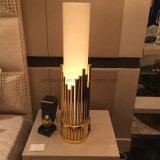 現代良質の骨董品の真鍮のベッドサイド・テーブルランプ、ホテルのプロジェクトの照明