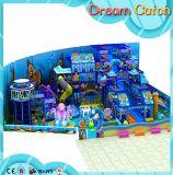 O campo de jogos interno das crianças do fabricante do campo de jogos abriga o campo de jogos pequeno
