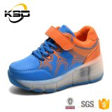 多色刷りのバックルストラップはかかとLEDの軽いスニーカーの靴の中国の良質のスポーツの靴をからかう