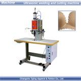 Machine de soudage et de découpage par ultrasons standard