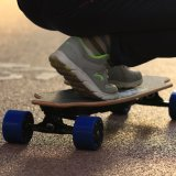 도로 스케이트보드 이동할 수 있는 건전지 떨어져 전력 Koowheel
