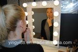 Miroir en acrylique personnalisé avec éclairage