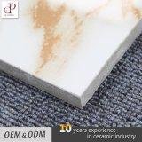 Конструкция плиток пола мрамора низкой цены керамической плитки белая лоснистая застекленная Vitrified Кералой