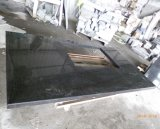 Lastre nere del granito dei controsoffitti del granito della perla G684 che pavimentano il rivestimento della parete