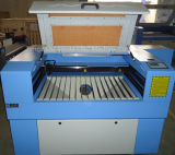 Máquina de gravura do cortador do laser de China mini