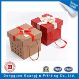 Rectángulo de empaquetado de Brown Kraft del regalo por encargo del papel con la decoración de la cinta