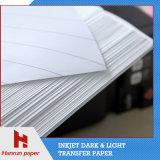 Couche d'enduit d'unité centrale, papier d'imprimerie foncé de transfert thermique de T-shirt de découpage facile pour le tissu 100% de coton
