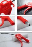 La mano lavora il colore rosso del fucile ad aria compressa del ventilatore della pistola della polvere (KS-10)