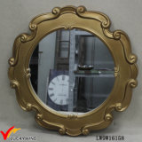 Espelho de suspensão francês quadro de madeira dourado do vintage