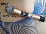 Preiswerter Fachmann Gleichstrom-Ein UHFdrahtloses Karaoke-Mikrofon