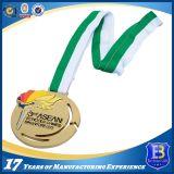 Médaille en alliage de zinc d'ouvreur de bouteille de sports avec la bande estampée