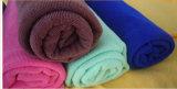 Il tovagliolo dell'animale domestico di disegno asciutto assorbe gli accessori del bagno di pulizia dei capelli di cane
