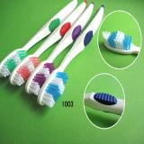 Brosse à dents meilleur marché d'emballage de famille (4PCS dans une ampoule de papier)