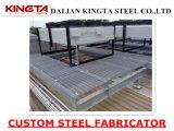 Calzada de la plataforma de la estructura de acero con la reja de acero