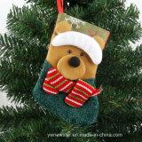 크리스마스 나무를 꾸미기를 위한 크리스마스 사탕 양말