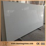 Стена декоративных камней слябов чисто белого искусственного кварца стандартная большая