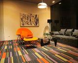 オットマンが付いている現代様式の家具のレプリカの居間の余暇の椅子