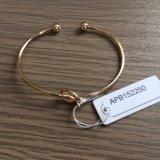 Einfaches Haken-Armband mit Metalldekoration