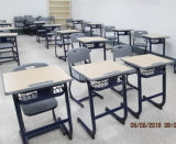 Tabela e cadeira da escola para a venda