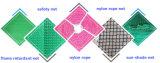 Qualitäts-Baugerüst, das grünes Farbton-Netz aufbaut