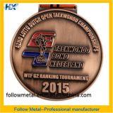 Medaglia con il marchio artistico 24 di ginnastica