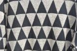Il manicotto lungo degli uomini ha modellato i maglioni lavorati a maglia del pullover