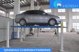 Uma gruas do estacionamento do automóvel/carro do borne do cilindro quatro