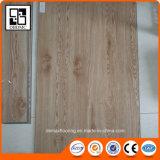 Planches résidentielles populaires européennes de vinyle de système de cliquetis du plancher/PVC