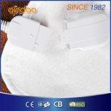 Couverture électrique d'ouatine polaire simple confortable avec la protection contre la chaleur finie